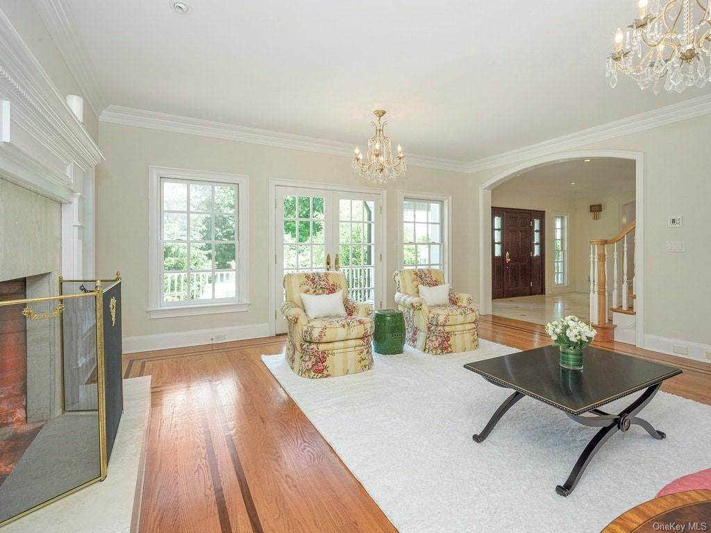 6. Single Family Home for Sale at 4 Thornbrook Lane Bedford, New York, 10506 United States