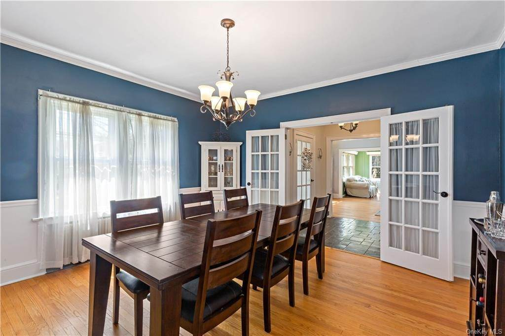 6. Single Family Home for Sale at 2032 Crompond Road Cortlandt Manor, New York, 10567 United States