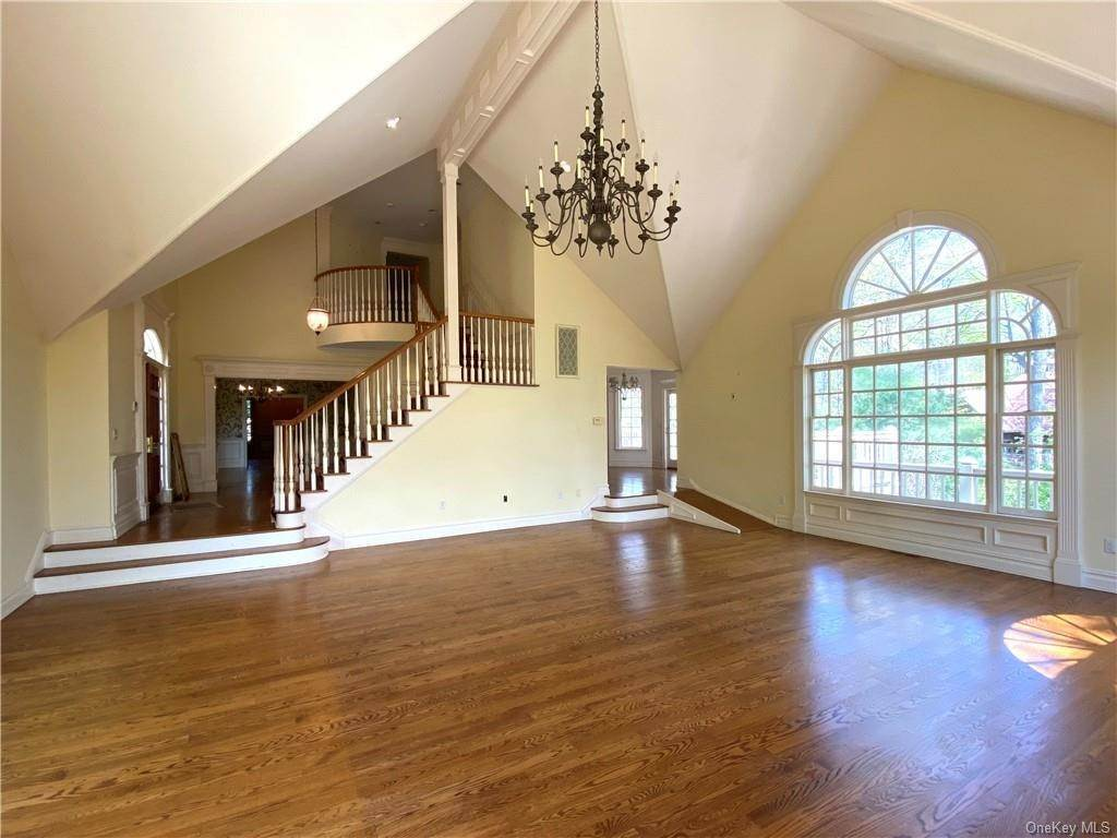6. Single Family Home for Sale at 5 Lookout Stable Road Tuxedo Park, New York, 10987 United States