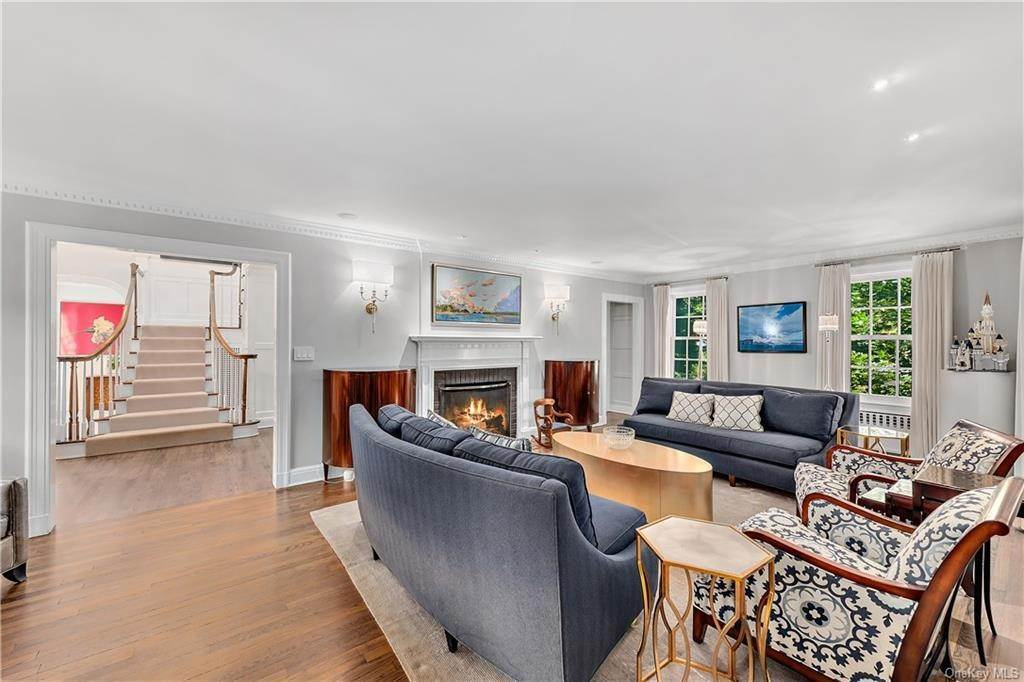 7. Single Family Home por un Venta en 25 Ridge Road Bronxville, Nueva York, 10708 Estados Unidos