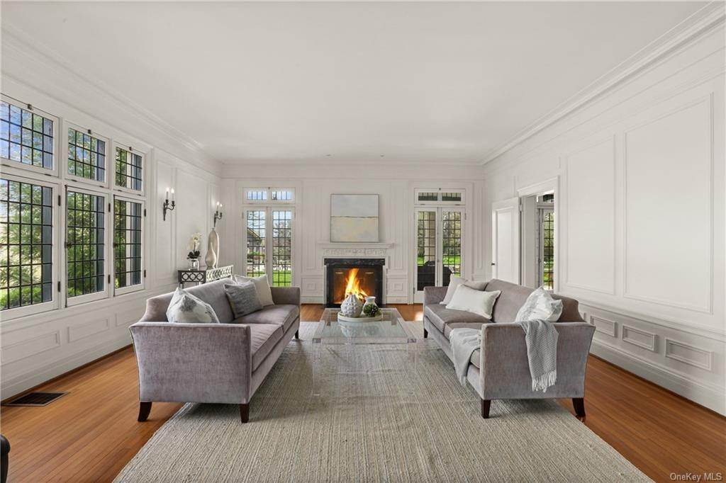 7. Single Family Home for Sale at 10 Broad Brook Road Bedford Hills, New York, 10507 United States