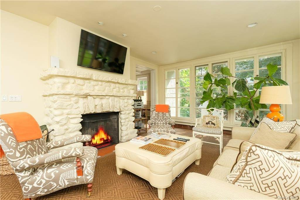 7. Single Family Home por un Venta en 2 Governors Road Bronxville, Nueva York, 10708 Estados Unidos