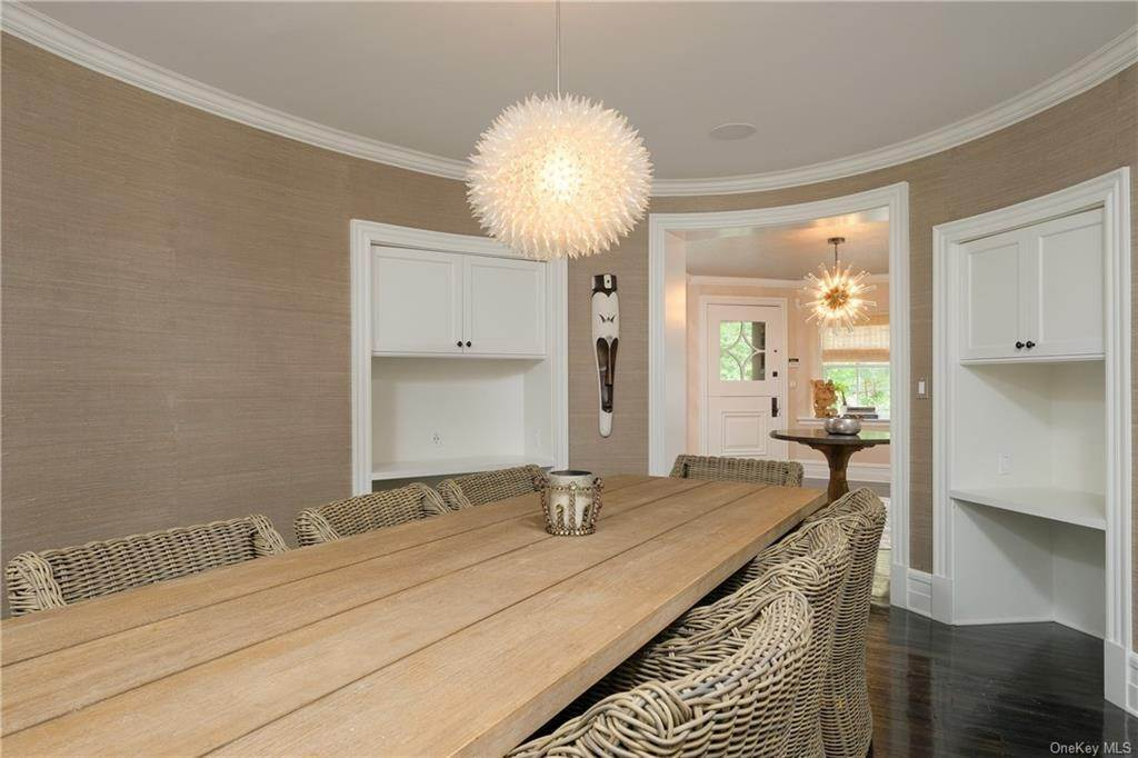 7. Single Family Home for Sale at 29 Valley Road Bronxville, New York, 10708 United States