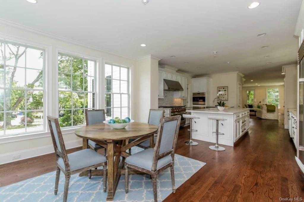 7. Single Family Home for Sale at 3 Meadow Road Scarsdale, New York, 10583 United States