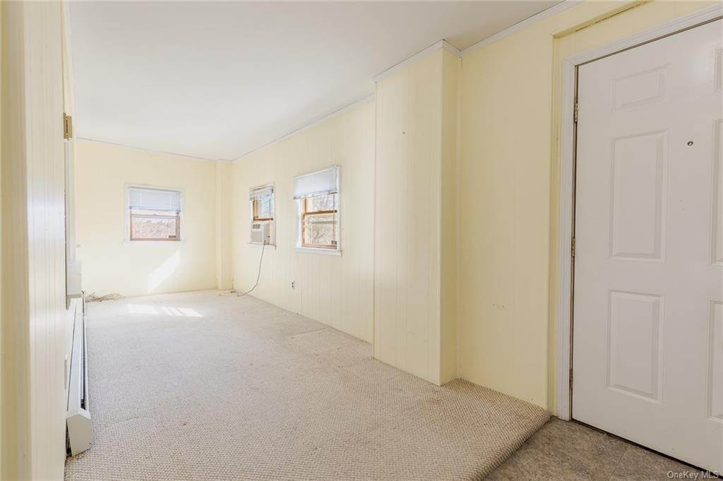 7. Single Family Home for Sale at 25 North Street Bedford Hills, New York, 10507 United States