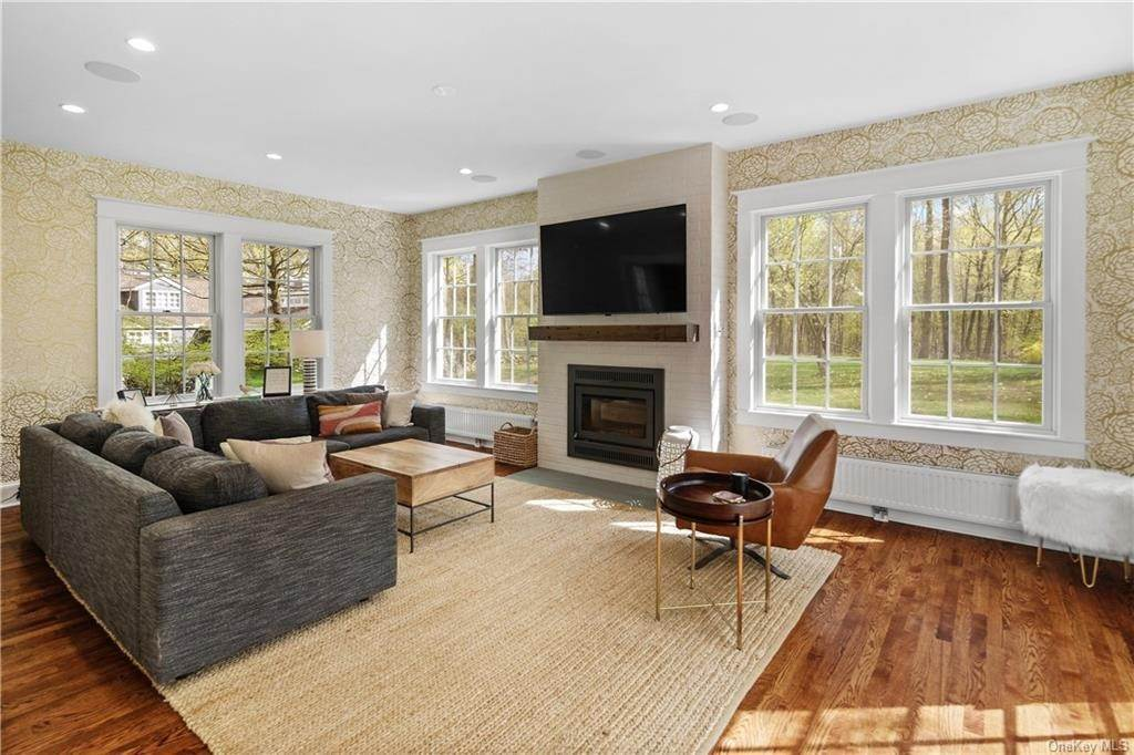 7. Single Family Home for Sale at 90 Rockland Road Sparkill, New York, 10976 United States