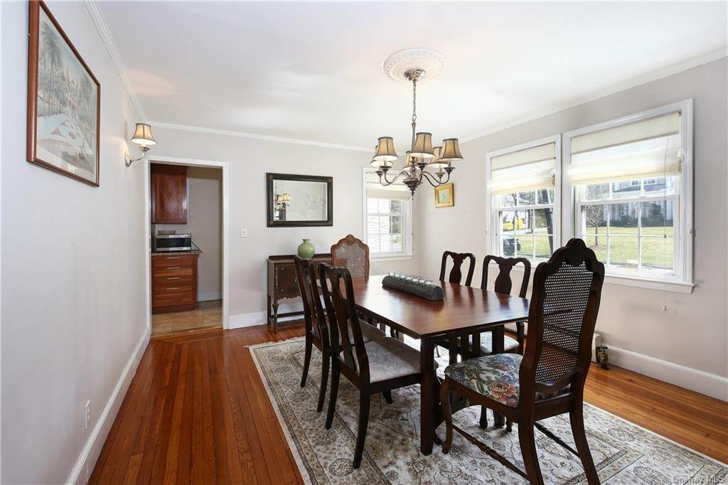 7. Single Family Home por un Venta en 31 Rugby Lane Scarsdale, Nueva York, 10583 Estados Unidos