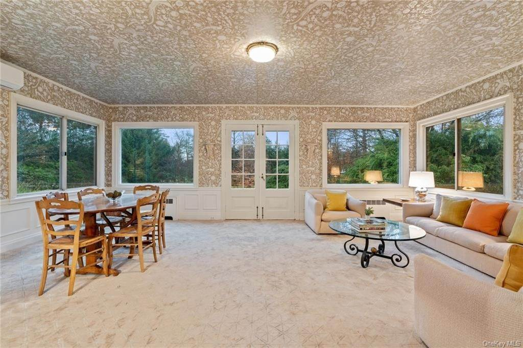 7. Single Family Home for Sale at 3 Richbell Road Scarsdale, New York, 10583 United States