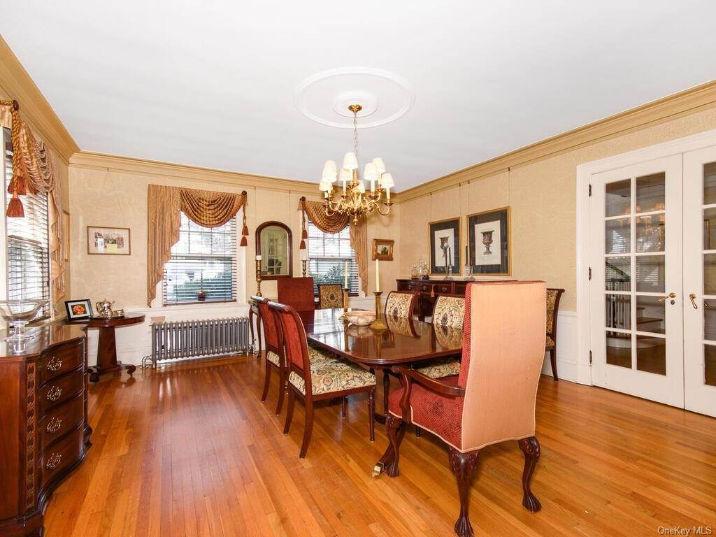 7. Single Family Home for Sale at 10 Belmont Place Yonkers, New York, 10701 United States
