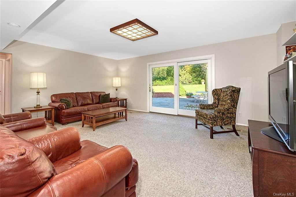 7. Single Family Home for Sale at 188 Country Ridge Drive Rye Brook, New York, 10573 United States