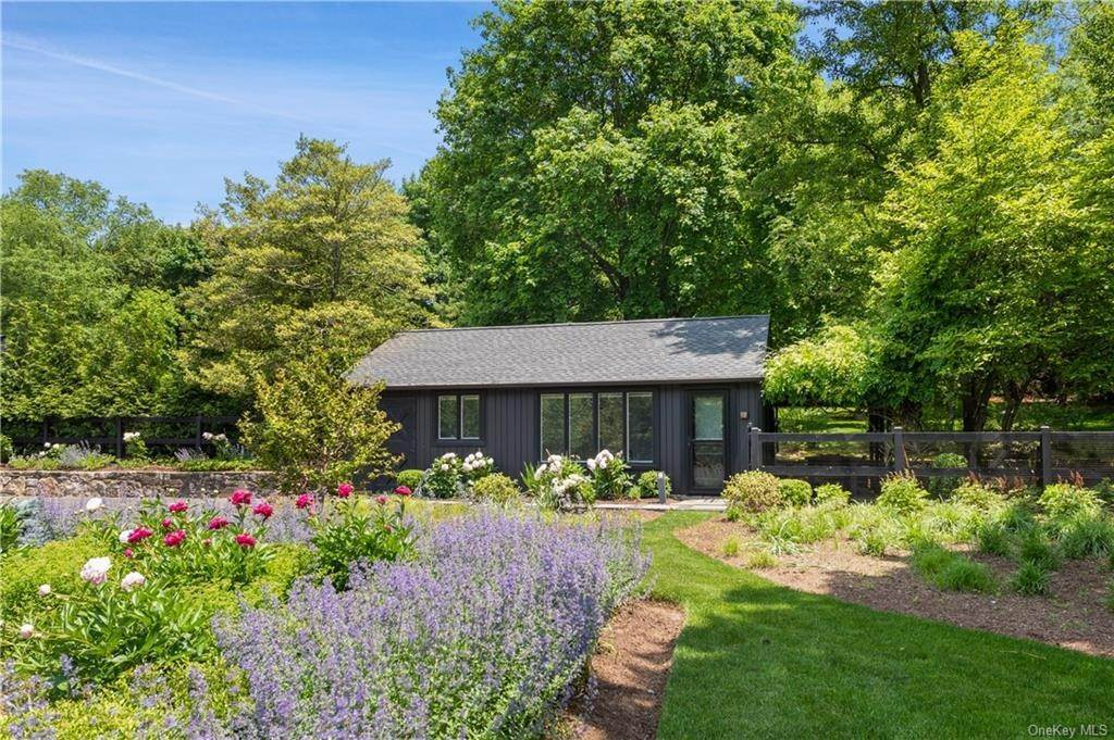 7. Rental Communities for Rent at 167 Salem Road Pound Ridge, New York, 10576 United States