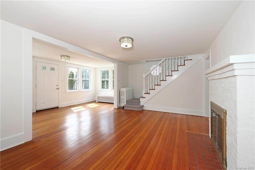7. Single Family Home for Sale at 211 Oakland Beach Avenue Rye, New York, 10580 United States