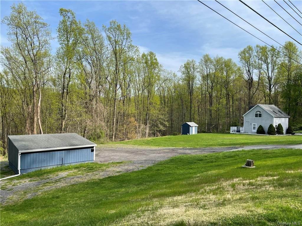 7. Single Family Home for Sale at 53 Mount Airy Road E Croton On Hudson, New York, 10520 United States