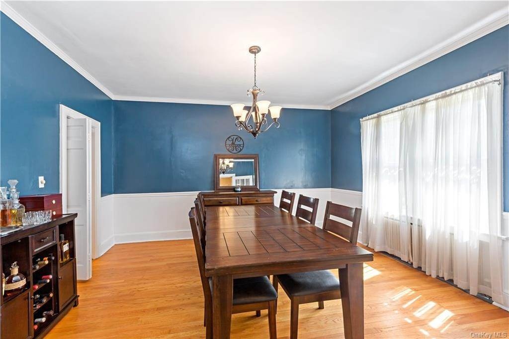 7. Single Family Home for Sale at 2032 Crompond Road Cortlandt Manor, New York, 10567 United States