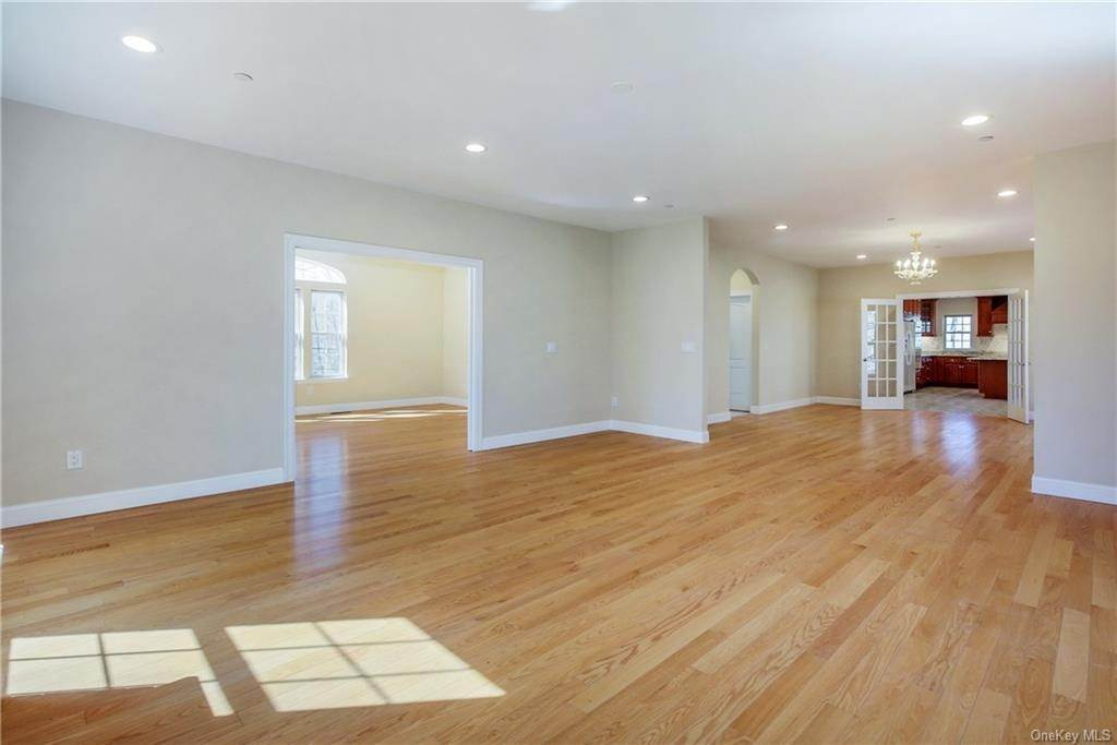 7. Single Family Home for Sale at 223 Sprain Road Scarsdale, New York, 10583 United States
