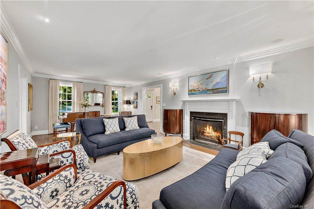 8. Single Family Home por un Venta en 25 Ridge Road Bronxville, Nueva York, 10708 Estados Unidos