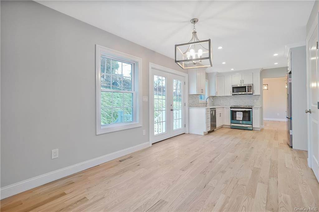 8. Single Family Home for Sale at 64 Hawkes Avenue Ossining, New York, 10562 United States
