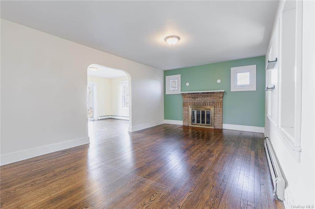 8. Single Family Home for Sale at 25 North Street Bedford Hills, New York, 10507 United States