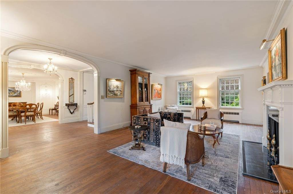 8. Single Family Home for Sale at 3 Richbell Road Scarsdale, New York, 10583 United States