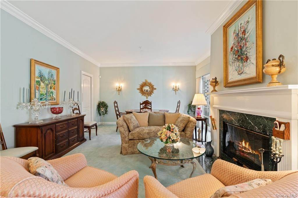 8. Single Family Home for Sale at 44 Wyndham Close White Plains, New York, 10605 United States