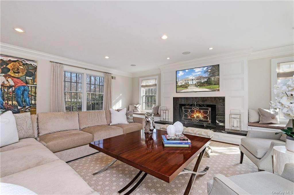 8. Rental Communities for Rent at 17A Heathcote Road Scarsdale, New York, 10583 United States