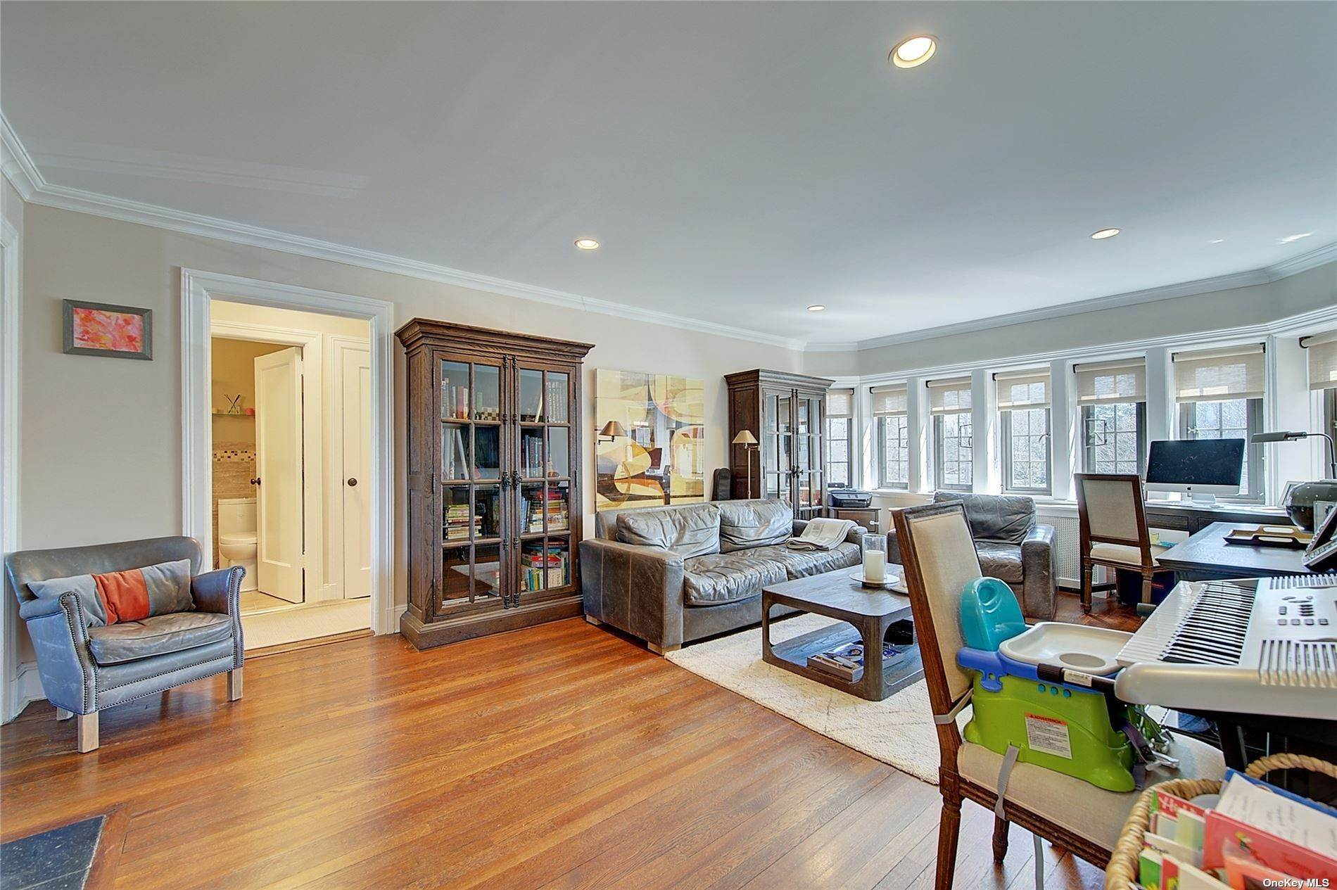 8. Single Family Home for Sale at 6 Davis Avenue Rye, New York, 10580 United States