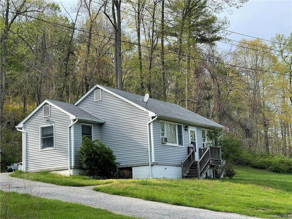 8. Single Family Home for Sale at 53 Mount Airy Road E Croton On Hudson, New York, 10520 United States