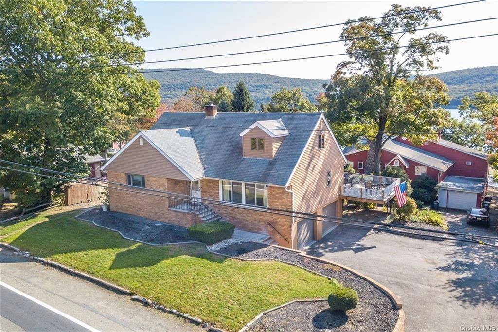8. Single Family Home for Sale at 200 Jersey Avenue Greenwood Lake, New York, 10925 United States
