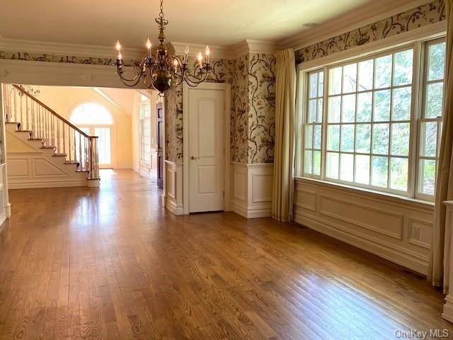 8. Single Family Home for Sale at 5 Lookout Stable Road Tuxedo Park, New York, 10987 United States