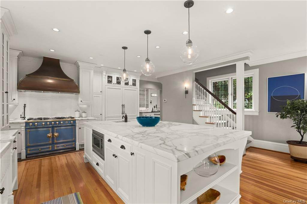 9. Single Family Home for Sale at 10 Broad Brook Road Bedford Hills, New York, 10507 United States