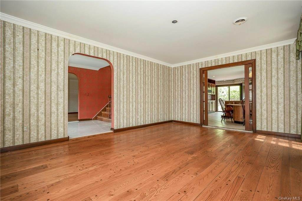 9. Single Family Home for Sale at 1A Century Road Palisades, New York, 10964 United States