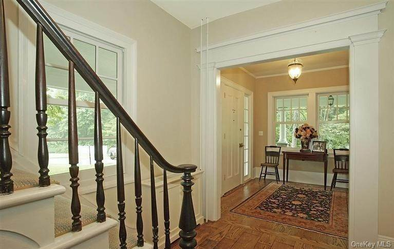 9. Single Family Home for Sale at 245 Bedford Banksville Road Bedford, New York, 10506 United States
