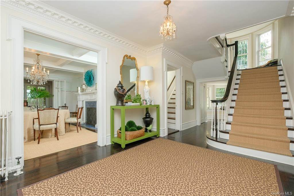 9. Single Family Home por un Venta en 2 Governors Road Bronxville, Nueva York, 10708 Estados Unidos