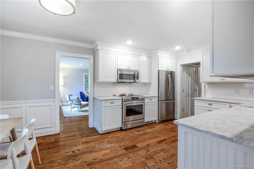 9. Single Family Home por un Venta en 200 Glendale Road Scarsdale, Nueva York, 10583 Estados Unidos