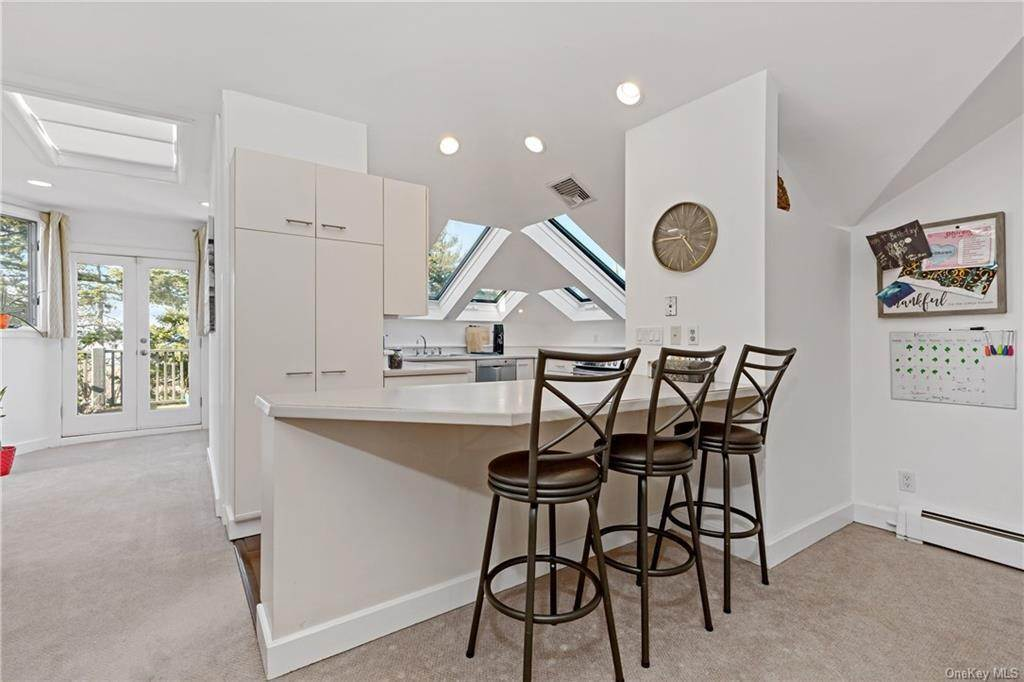 9. Single Family Home for Sale at 12 Clinton Avenue Dobbs Ferry, New York, 10522 United States
