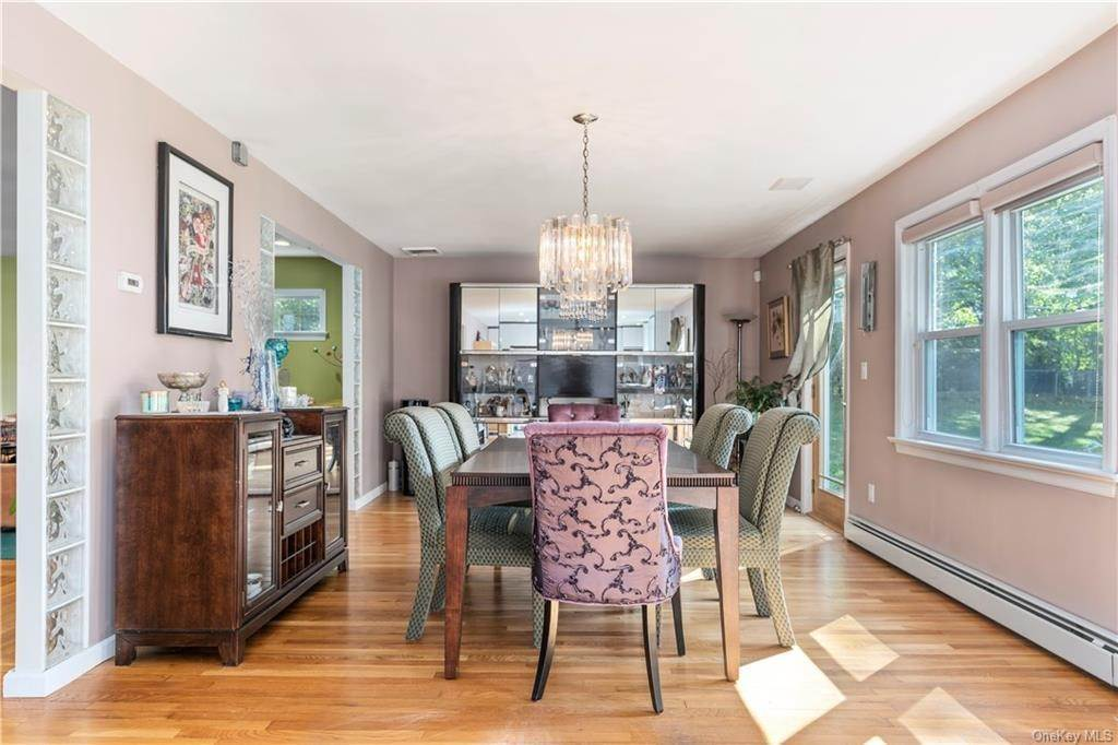 9. Single Family Home for Sale at 160 Woodlands Avenue White Plains, New York, 10607 United States