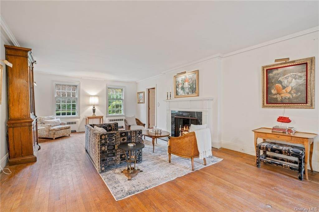 9. Single Family Home for Sale at 3 Richbell Road Scarsdale, New York, 10583 United States