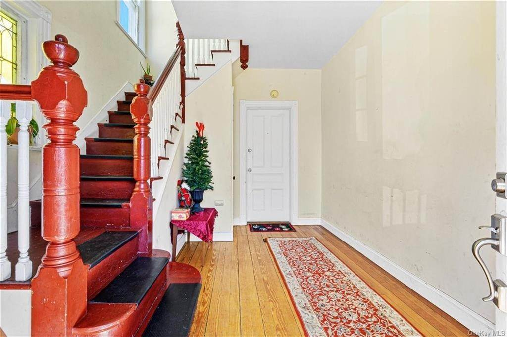 9. Single Family Home for Sale at 19 Summit Avenue Port Chester, New York, 10573 United States